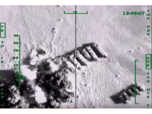 2015-11-18_RussianJetsBombsIS-OilTrucks_RT-deutsch