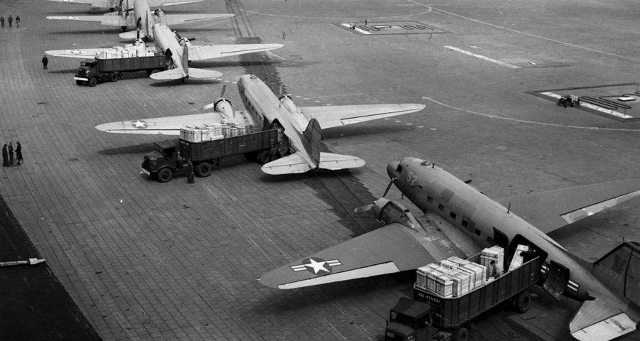 Douglas C-47 Luftbrücke